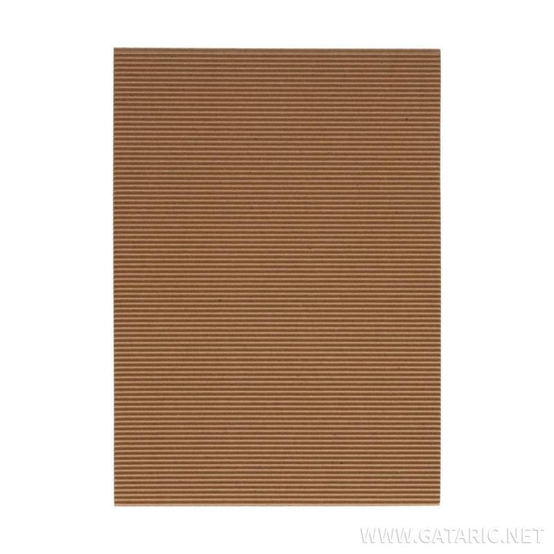 Karton rebrasti, boja kože